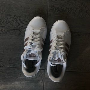 White and rose gold adidas cloudfoam size 7 1/2